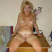 One sexy GILF she is stunning and very horny bet you want some