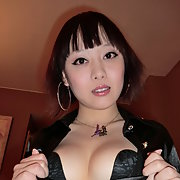 Chinese posing showing tits ass and sucking a massive dick back at the hotel