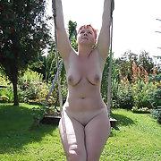 Belle femme mature amateur Sabine public nudist amateur pics