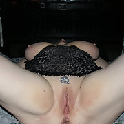 Mature Divorced W/F Loves to pose and receive cumshot tributes