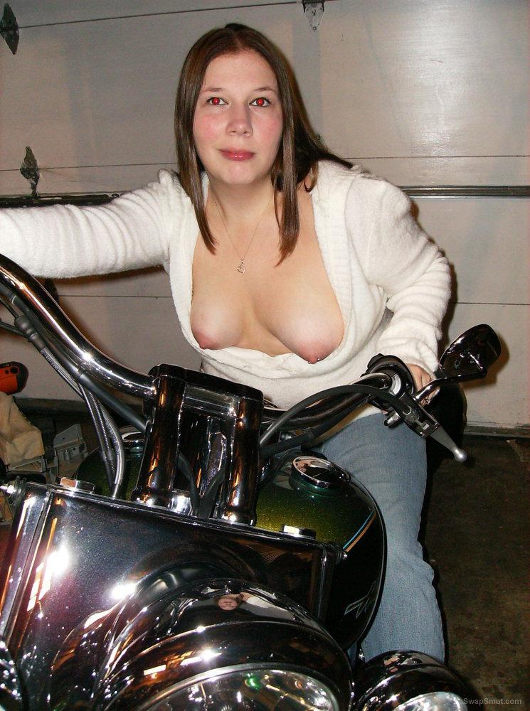 Horny wife wants it