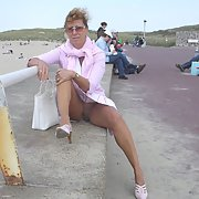 Mature French exhibitionist granny loves to expose herself in public
