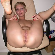 Blonde milf nude in high heels homemade amateur pics