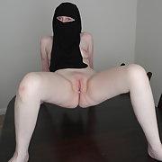 Pale skin British Wife in Niqab displaying pussy