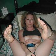 Wife leslie Masturbating