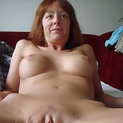 Italian milf with shaved pussy is my fuckslut
