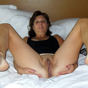 Pennsylvania MILF Diane Enjoys Pleasing Other Men Very Much
