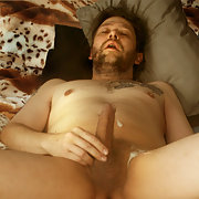 Pelle Westlund from Kiruna in jerking off cumming on self