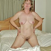 Debbie D loves to show it all pussy breasts the full naked body online