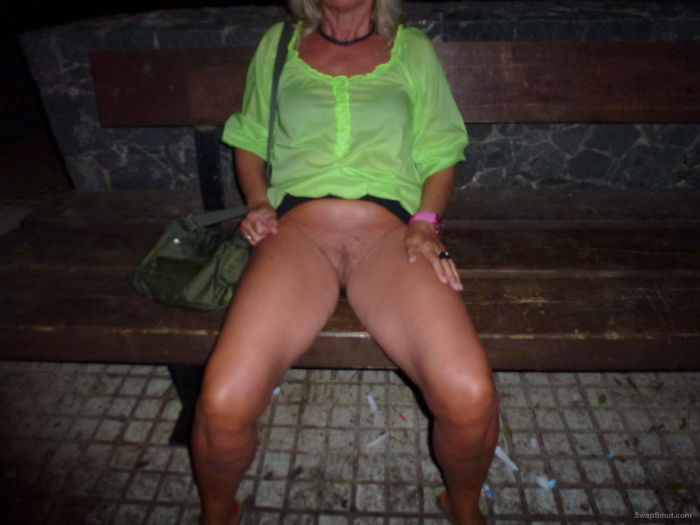 Hairy pussy upskirt gallery apologise