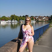 Contribution Morgane exhibiting one self in public places flashing