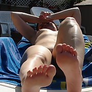 SEXY GIRL sammy showing her feet and nude outdoors