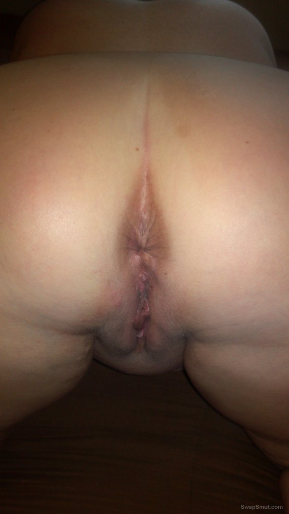 Close up pics of wife hot wet shaved pussy needs fucking