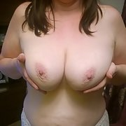 Lisa wants to show you all her tits