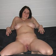 CHUBBY MILF naked and masturbating