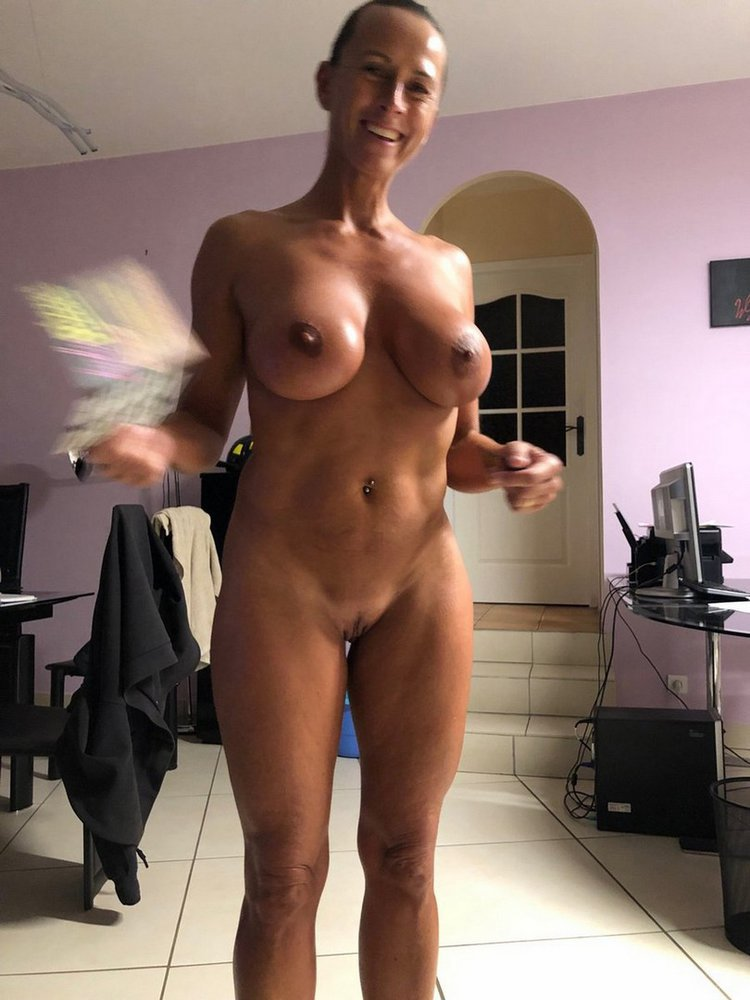 dehnungsstreifen auf tranny titten
