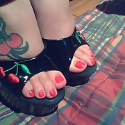 sexy toes to suck